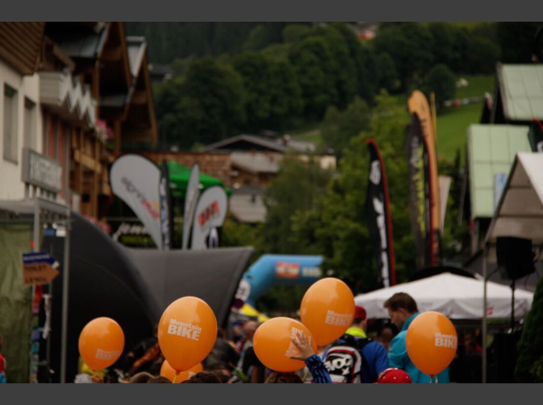 Bikes and Beats Tag 2 Impressionen: Mountainbike-Action, Musik und Festival 10
