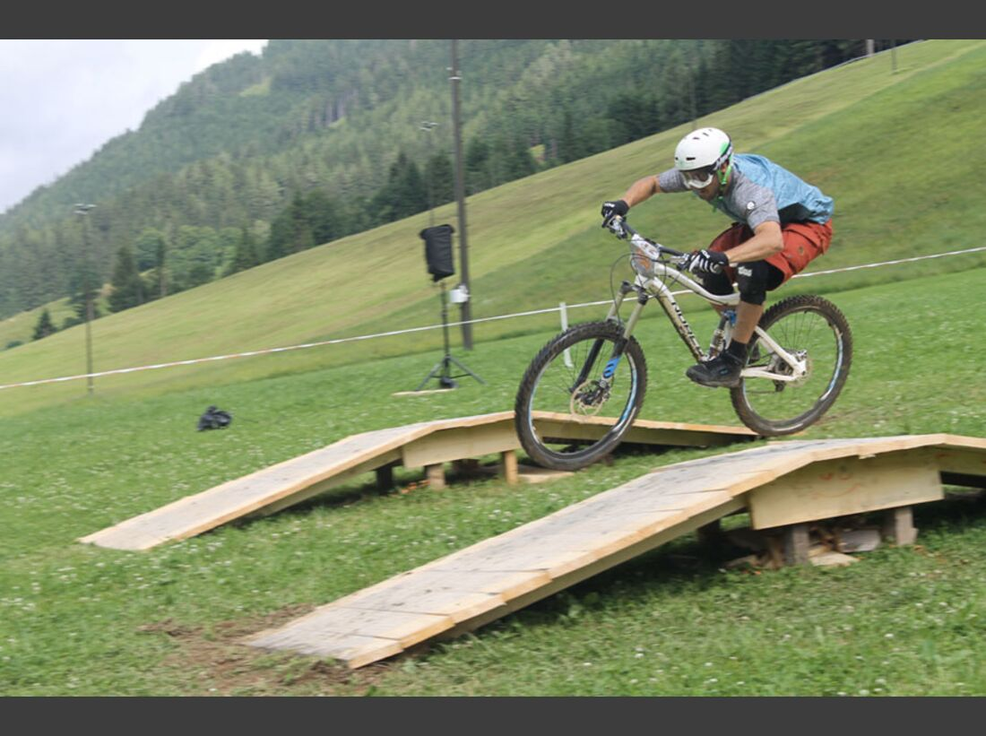 Bikes and Beats Tag 2 Impressionen: Mountainbike-Action, Musik und Festival 27