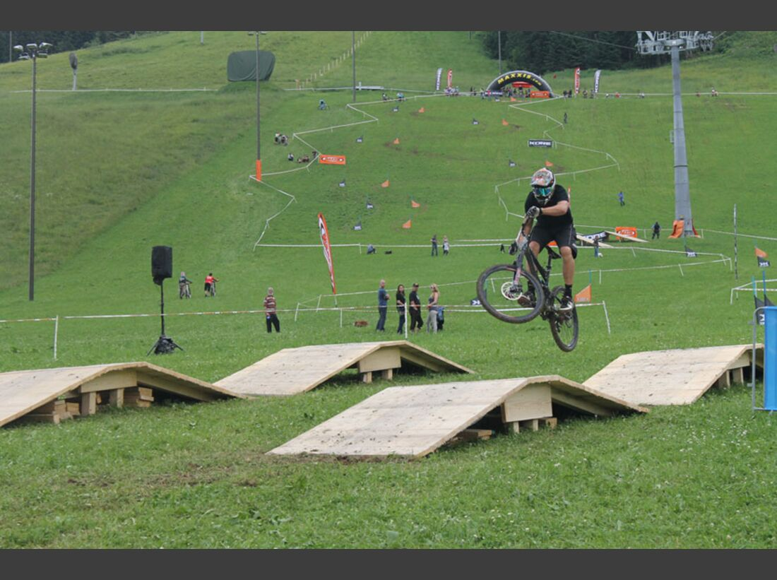Bikes and Beats Tag 2 Impressionen: Mountainbike-Action, Musik und Festival 29