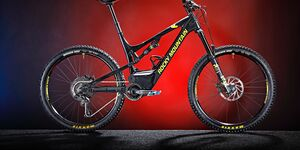 mb-0318-test-emtb-vs-mtb-rocky-mountain-altitude-powerplay-c70 (jpg)