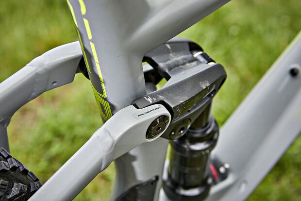 mb-0818-trailbike-test-detail-2 (jpg)