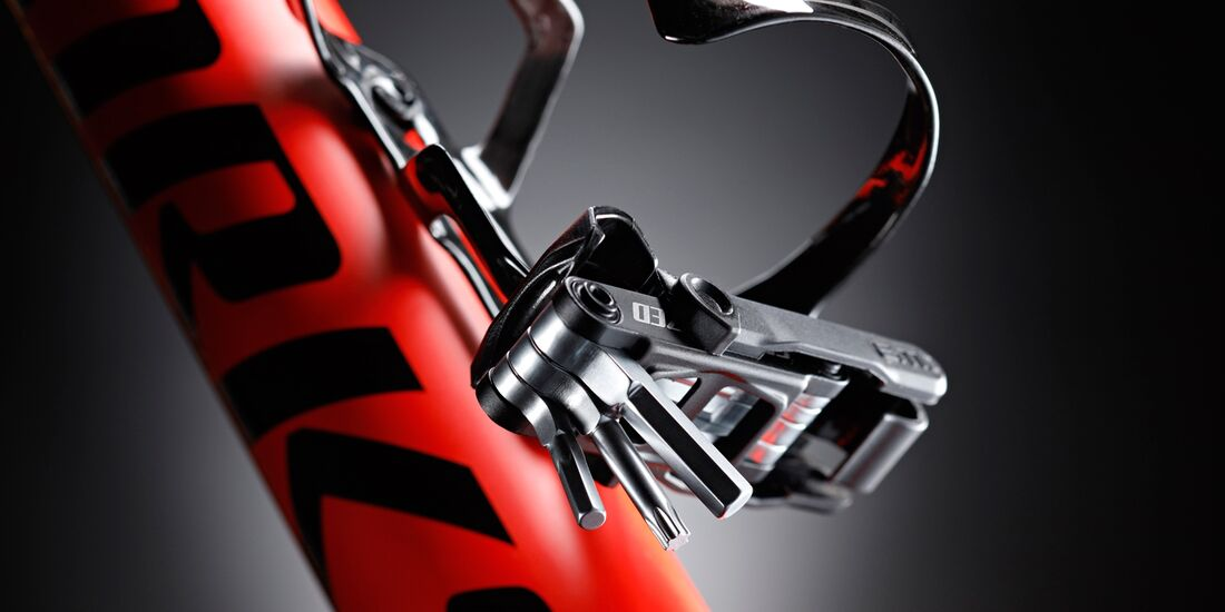 mb-0917-specialized-s-works-epic-ht-di2-detail-03-det-goeckeritz (jpg)
